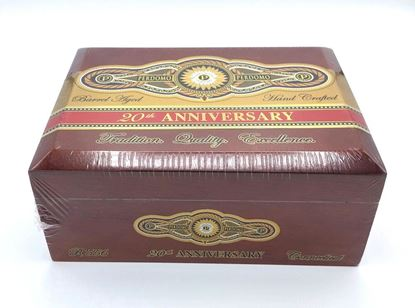 Picture of Perdomo 20th Anniversary Connecticut Robusto